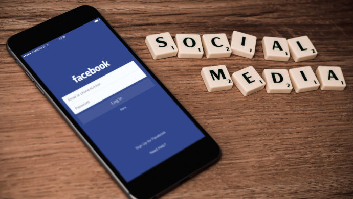 facebook-telephone-social-media