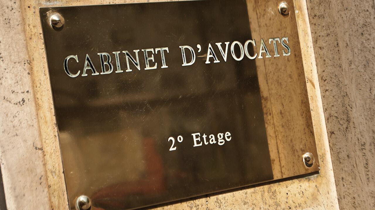plaque de cabinet d'avocats